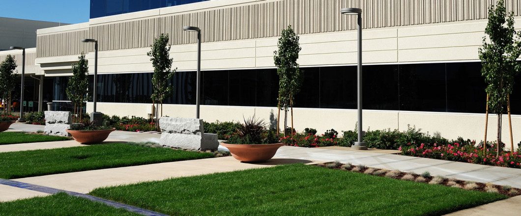 Comprehensive Commercial Landscape Maintenance Services